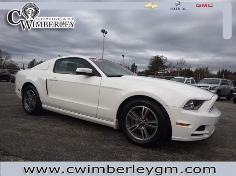 2013-Ford-Mustang_D5220756-1.jpg