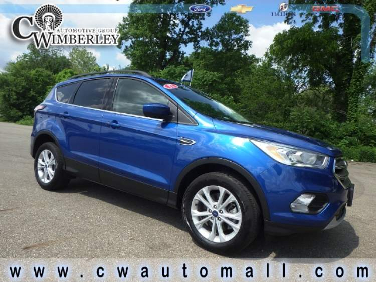 2017-Ford-Escape_HUD67849-1.jpg