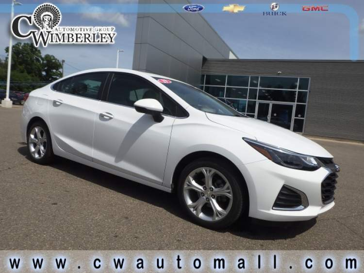 2019-Chevrolet-Cruze_K7101268-1.jpg